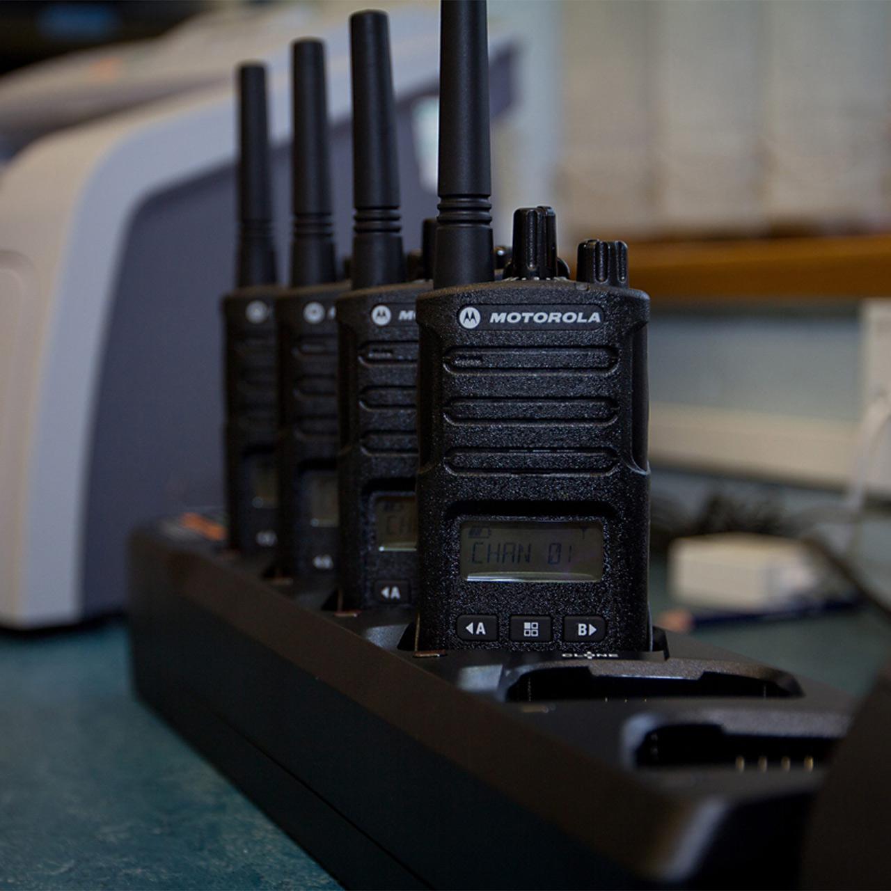 MOTOROLA Chargeur multiple PMLN6598A pour SL4000 et SL4001